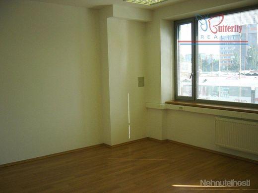 PRENÁJOM: 22 m2 kancelária, Košická ul.