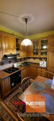 Na prenájom kompletne zariadený dvojizbový byt, Trieda SNP, Sídlisko, Banská Bystrica - obrázok