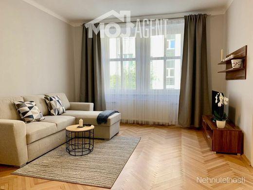 Ponúkam na PRENÁJOM 2izb. byt 64m2 + terasa 36m2 v centre Starého Mesta na ulici Šoltésovej. - obrázok