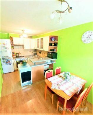 *Remarco* ponúka na predaj 3 - izbový byt s lodžiou v kúpeľnom meste Piešťany - Prednádražie - obrázok