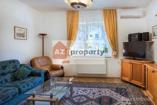 Ponúkame na prenájom 2-izbový byt v tehlovom dome na Dohnányho ulici v blízkosti Centrálu - obrázok
