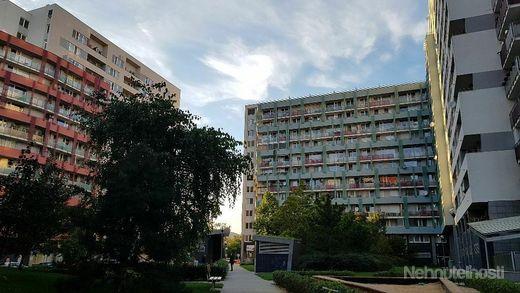 Prenájom, 24 hodín strážené garážové státie Bratislava Nové Mesto