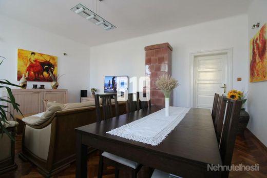 Veľkometrážny 4i byt s lodžiou v historickom centre mesta - 140m2 + 16 m2 pivnica - obrázok