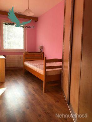 Na Predaj veľký 4izbový byt v dobrej lokalite Sásovej - obrázok