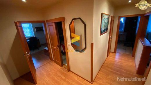 3-izbový zariadený byt - centrum Senec s lodžiou a pivnicou vedľa bytu - obrázok