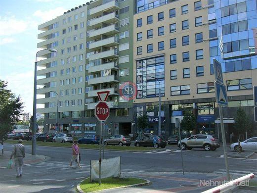 StarBrokers: PRENÁJOM samostatnej kancelárie (22 m2), novost. na rohu  Košická - Miletičova