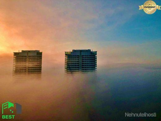 SKY PARK - LUXUSNÝ 3-izbový byt s VÝHĽADOM NA HRAD - 23. posch. /eng. - obrázok