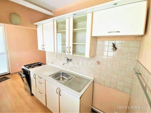 Na predaj zrekonštruovaný 3 izbový byt v Chynoranoch 75 m2. - obrázok