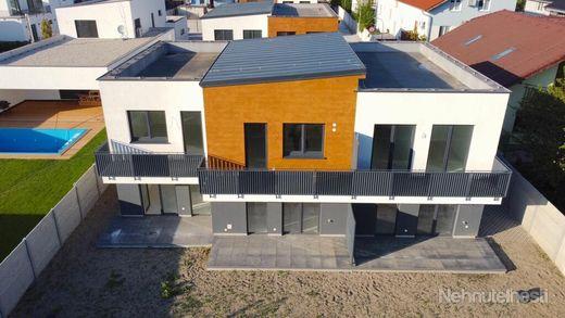 Novostavba Luxusný 3-izbový byt + 14m2 balkón + parkovacie miesto