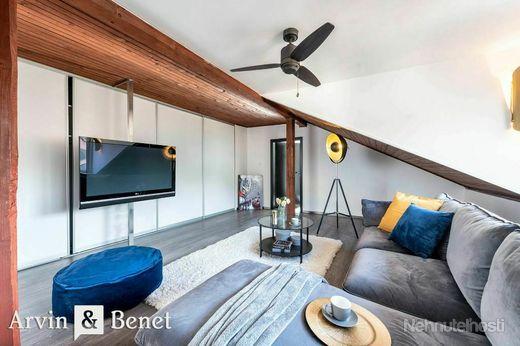 Arvin & Benet   6i rodinný dom so šarmom v tichej zástavbe rodinných domov