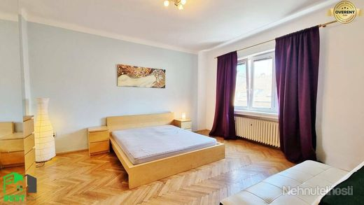 Prenajmite si STAROMESTSKÝ 2,5-izb. byt v ÚPLNOM CENTRE MESTA - obrázok