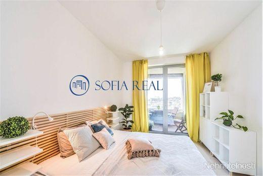 3D virtual, Svetlý a vzdušný 2-izbový byt v projekte SKY PARK, parking, Staré Mesto