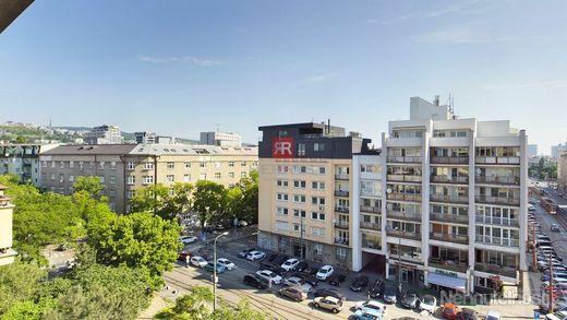 HERRYS - na predaj 3 (možný 4) izbový byt v Starom Meste s 2 balkónmi - obrázok