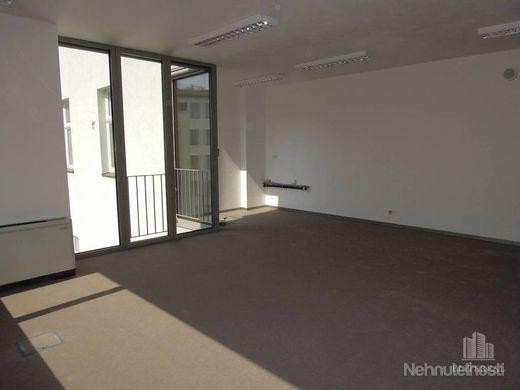 KONVENTNÁ - 73 m2 kancelária v novostavbe - Staré Mesto