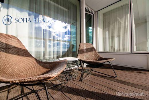 Elegantný a svetlý 2-izbový byt v projekte PANORAMA CITY, Staré Mesto, parking