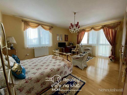 Veľký luxusný 3-izbový byt s dvoma balkónmi v novostavbe v Nových Zámkoch - obrázok