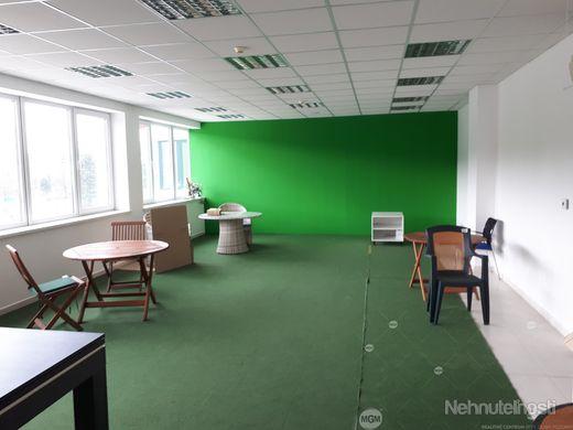 Prenájom kancelárie o výmere 72 m2 v novostavbe v priemyselnej časti Žiliny,  Cena: 7 €/m2/mesiac +
