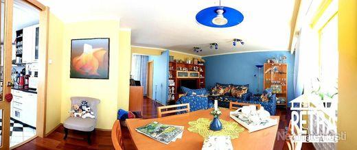 REZERVÁCIA: 4 izbový byt s netradičným dispozičným riešením v centre Banskej Bystrice - obrázok
