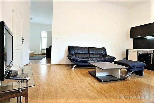 V CENTRE na KOLLÁROVOM NÁMESTÍ - Ihneď voľný 2-izbový byt, 50m2, PRENÁJOM MOŽNÝ AJ SO PSÍKOM =) - obrázok