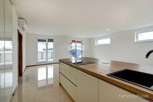 Na prenájom 4- izbový veľkometrážny byt, novostavba, Šamorín, Čilistov - obrázok
