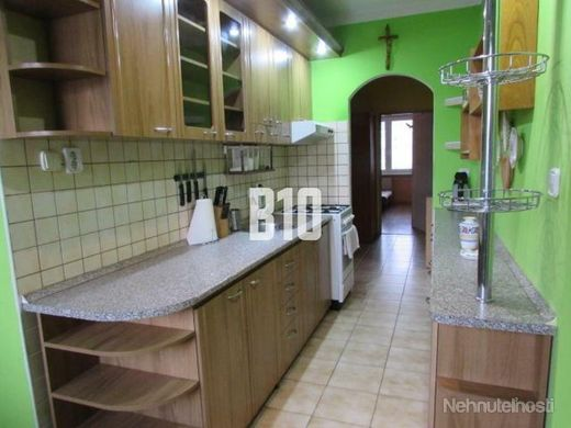 Priestranný 4 izbový byt - Bytča - obrázok