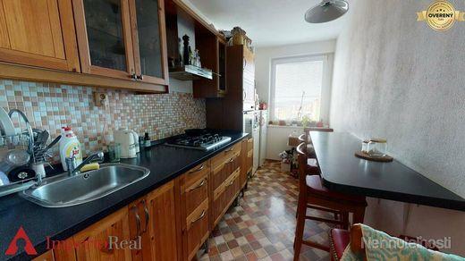 Svetlý 3 izbový byt s výbornou dostupnosťou do celej Petržalky - obrázok