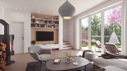 ČEREŠŇOVÁ ALEJ OPOJ - 4-izbový dom č.15 s nenáročnou starostlivosťou, akoby ste mali väčší byt