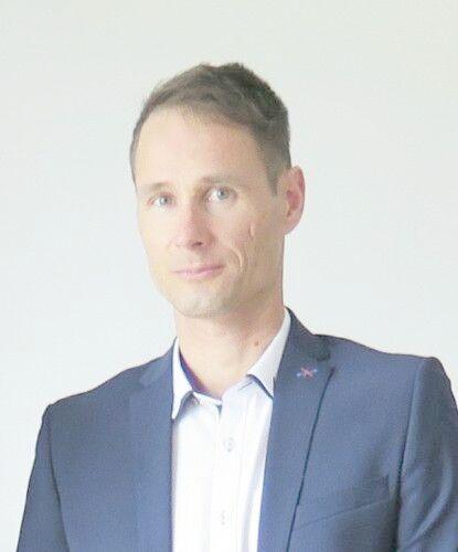 Peter Bartoň
