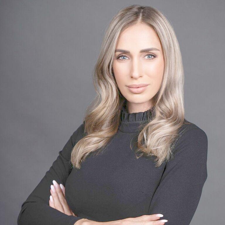 Mgr. Miriam Oravkinová