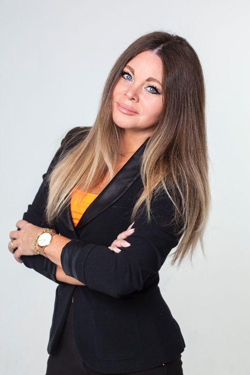 Xénia Szakálová, RSc.