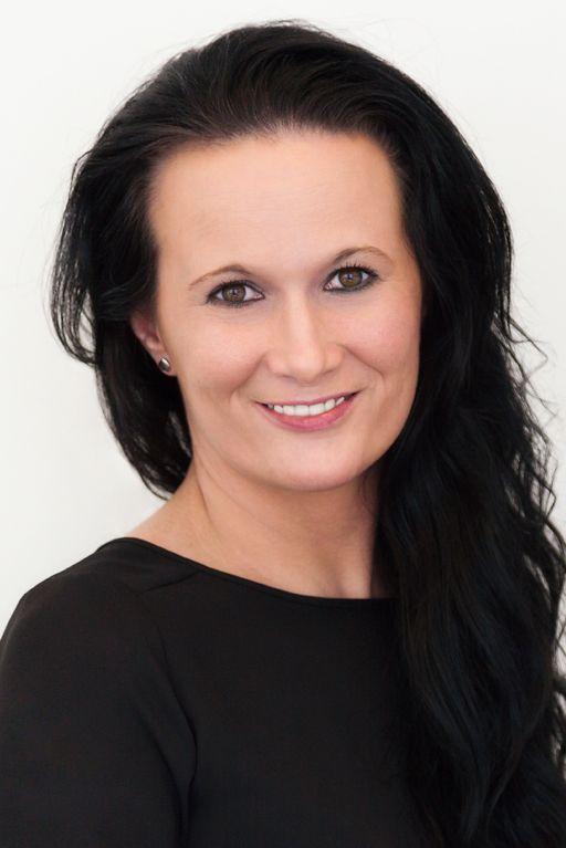 Katarína Uhrínková